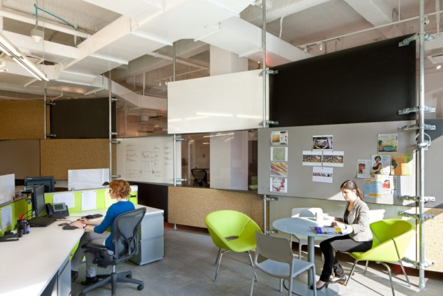 mediacom-Office-workspace